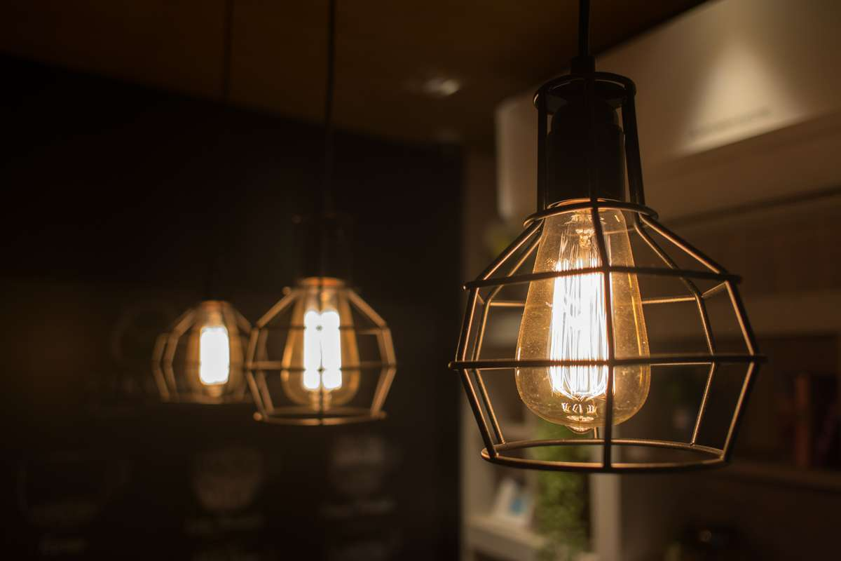 Edison light bulb (R) (S)