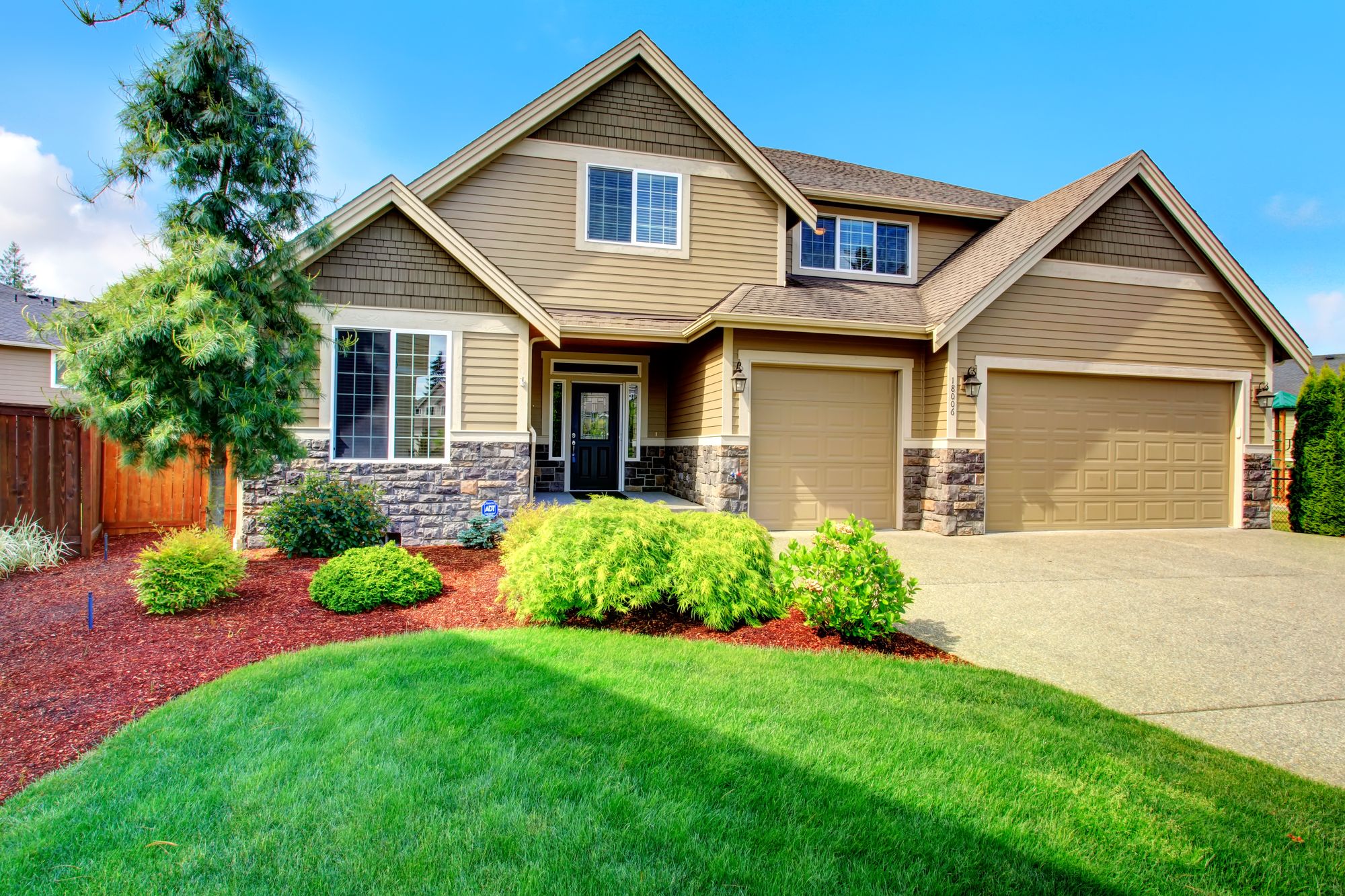 Luxury house ith beautiful curb appeal
