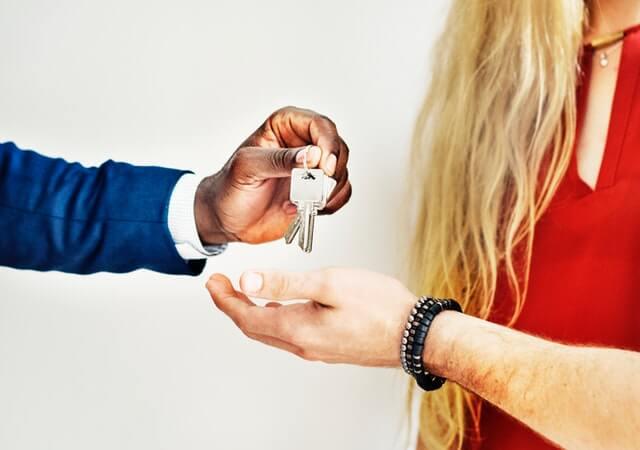 broker-buy-customers
