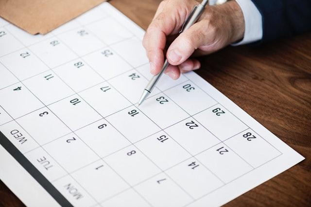 calendar-dates-desk
