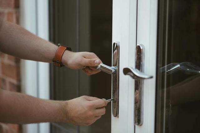 door-keys-open-home