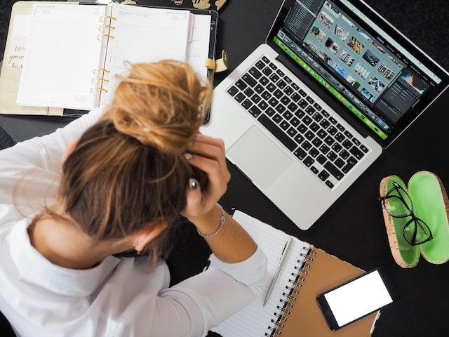 stressed-tasks-job-desk-computer