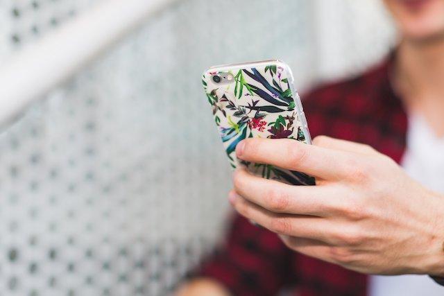 phone-texting-call-communication